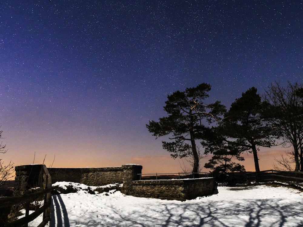 Burgruine Leienfels bei Nacht