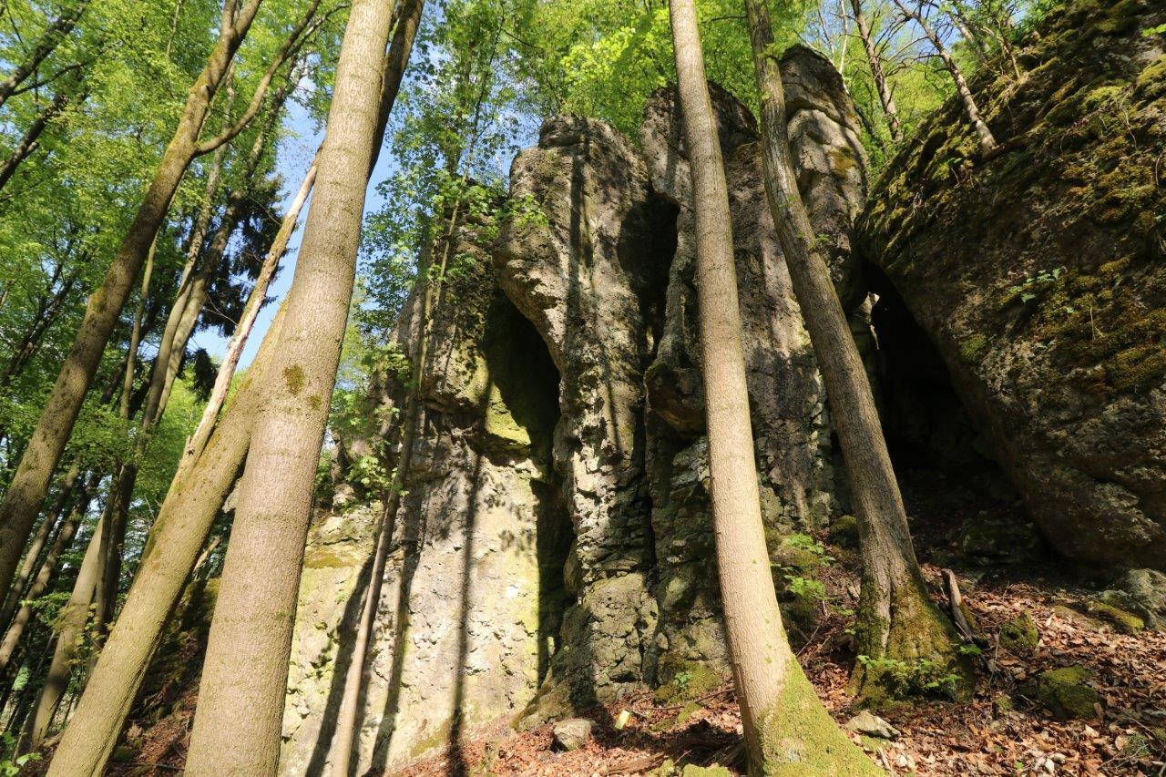 Imposante Kletterfelsen im Naturpark