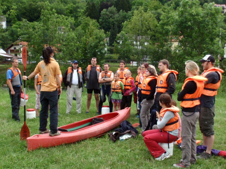 Kanuten an der Wiesent im Naturpark Fränkische Schweiz - Frankenjura